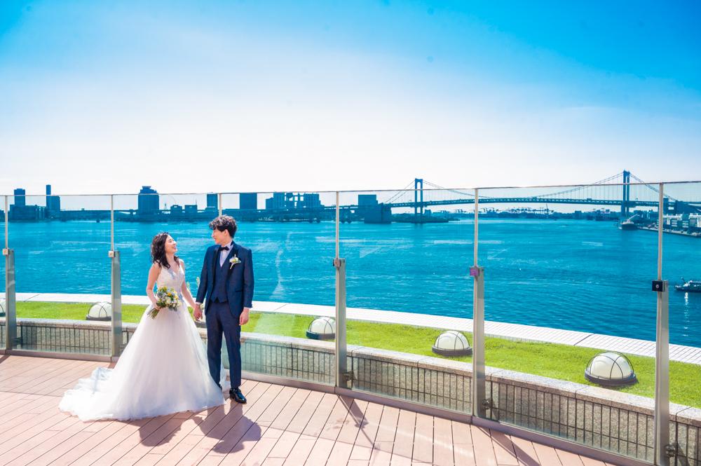 結婚式の人気スタイルと費用目安