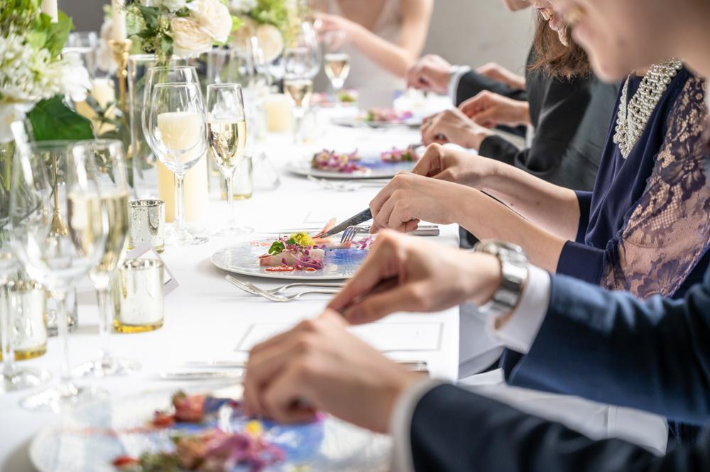 結婚式の料理とは?気になる相場も